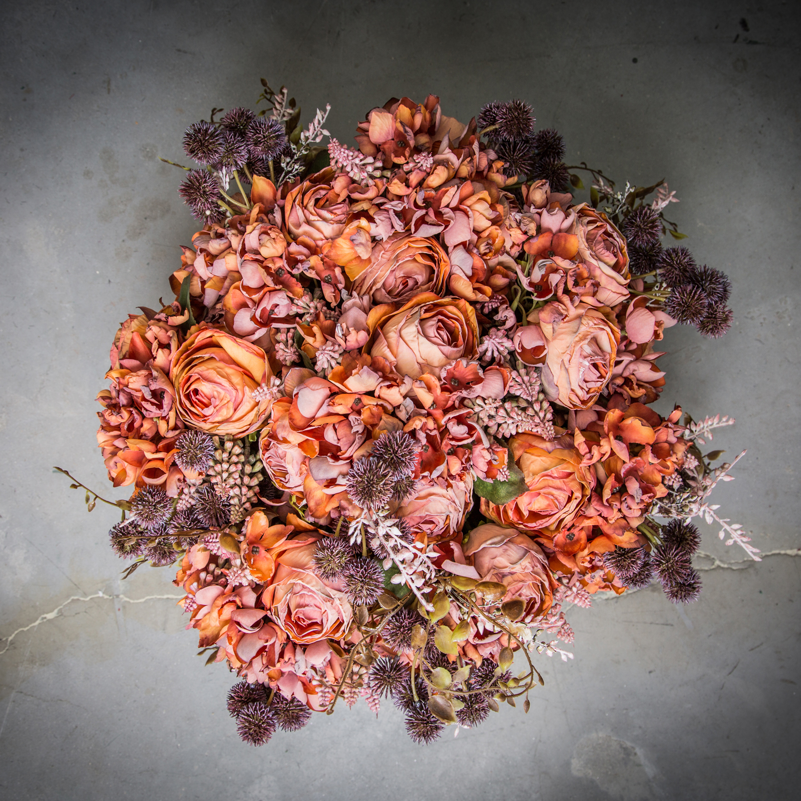 Strauß aus Rosen und Hortensie, Orange